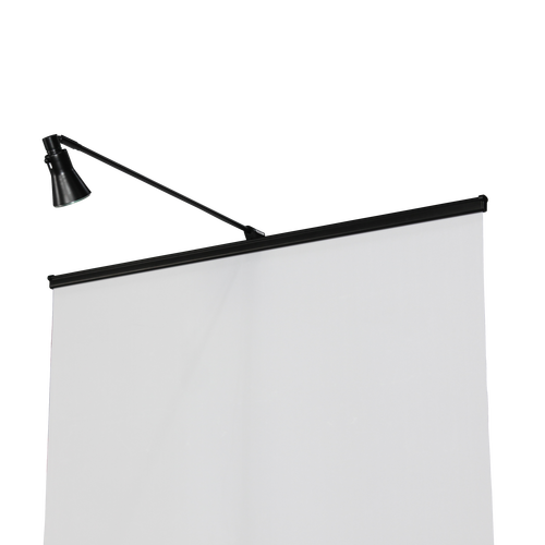 This light uses a halogen bulb that can be easily installed in seconds